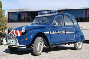 2 CV des gendarmes