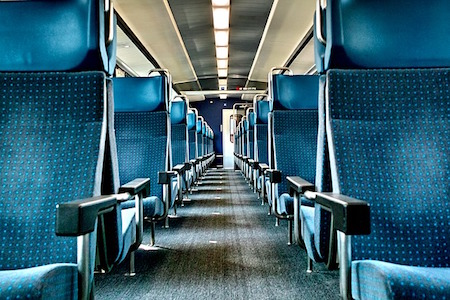 train-932835_640