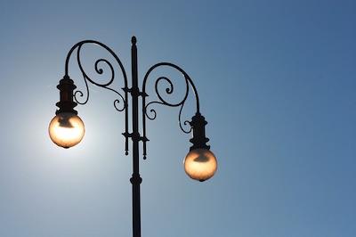light-400843_640