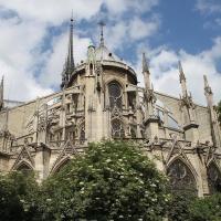Avec Notre-Dame, reconstruire la France