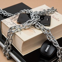 La loi AvIA censurée (acte II)